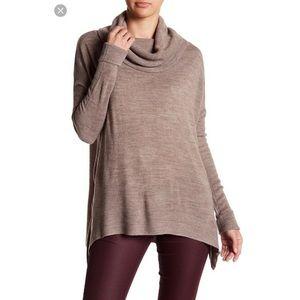 NWOT Sweet Romeo Cream Knitted Sweater